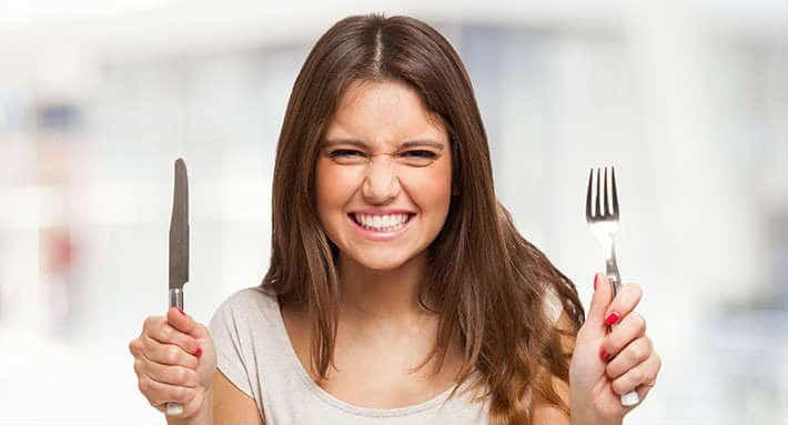 chica-joven-con-hambre